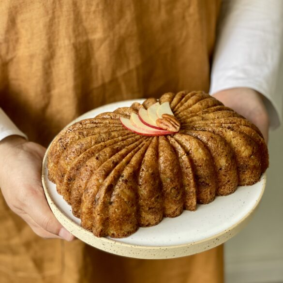Apfel-Whiskey-Pekannuss-Kuchen